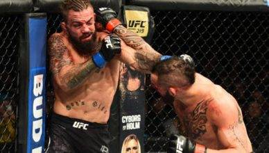 "Santiago Ponzinibbio beats ""Platinum"" Mike Perry at UFC on Fox 26."