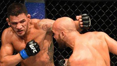 Rafael dos Anjos easily outstrikes Robbie Lawler at UFC on Fox 26.